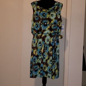 NWT Beautiful colored stretchy dress